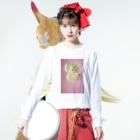 harucameraのharucamera キク Long sleeve T-shirtsの着用イメージ(表面)