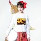 lucky wonder worldの今川焼 Long sleeve T-shirtsの着用イメージ(表面)