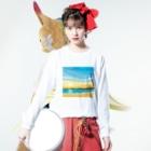 湘南デザイン室:Negishi Shigenoriの湘南ランドスケープ02:ひこうき雲 Long sleeve T-shirtsの着用イメージ(表面)