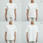 *suzuriDeMONYAAT*のCT165 スズメがちゅん*うわばきちゅんA*イラストサイズ大きいver. Organic Cotton T-Shirtのサイズ別着用イメージ(女性)