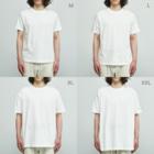 Poooompadoooourの本と、なまけもの Organic Cotton T-shirtsのサイズ別着用イメージ(男性)