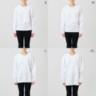 BASE-CAMPのBASE MOUNTAIN 03 WHITE Sweatsのサイズ別着用イメージ(女性)