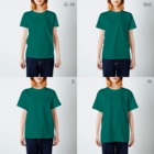 こべびちゃんのお店の窓辺の猫こべびちゃん  T-shirtsのサイズ別着用イメージ(女性)