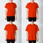 まるいペンギンの店のオレンジペンギン T-shirtsのサイズ別着用イメージ(男性)