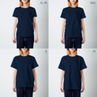 necomanmahouseのまねきねこ黒 T-shirtsのサイズ別着用イメージ(女性)