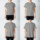 タケトリの籠の目玉焼き T-shirtsのサイズ別着用イメージ(男性)