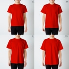 SANKAKU DESIGN STOREのもう限界!働きたくない! 白/前面 T-shirtsのサイズ別着用イメージ(男性)