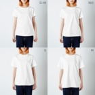 It is Tomfy here.のずんぐり〜ずの旅 -出発- T-shirtsのサイズ別着用イメージ(女性)