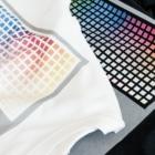 夢見の町のまがりかどの大空を飛ぶサバの切り身Tシャツ(字幕付き) T-shirtsLight-colored T-shirts are printed with inkjet, dark-colored T-shirts are printed with white inkjet.