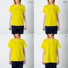 ザ・ワタナバッフルの屋久島弁シリーズ 2:ヤクザル・ヤクシカ・ウミガメ・縄文杉キャラ T-shirtsのサイズ別着用イメージ(女性)