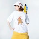 もけけ工房 SUZURI店の千坊鐘馗さま.前後バージョン Washed T-shirtsの着用イメージ(裏面)