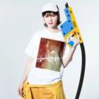 長与 千種 Chigusa Nagayoの長与千種の『赤いイナズマ』 Washed T-shirtsの着用イメージ(表面)