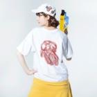 yukino-hiの赤花の記憶 Washed T-shirtsの着用イメージ(裏面)