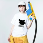 しっぽくらぶの毎日ちんちらさん(黒色) Washed T-shirtsの着用イメージ(表面)