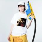 技法勇者の店/Technigic-Braves' Shop in SUZURIの白鳩を呼ぶ造形物 Washed T-Shirtの着用イメージ(表面)