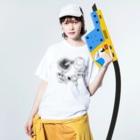 オガサワラミチのシイタケサークル Washed T-shirtsの着用イメージ(表面)