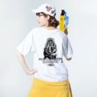 """""""すずめのおみせ"""" SUZURI店の一緒に遊ぼう! #003 MONO ver. Washed T-shirtsの着用イメージ(裏面)"""