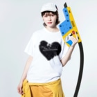 Naughty clown .のblack love. Washed T-shirtsの着用イメージ(表面)