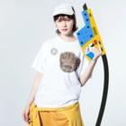 kyonophotoのグローブとボール Washed T-shirtsの着用イメージ(表面)