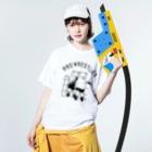 Aliviostaのプロレス タッグチーム 熊 動物イラスト Washed T-shirtsの着用イメージ(表面)