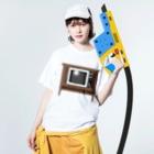 illust_designs_labのレトロでリアルなオーディオテレビのイラスト 砂嵐ノイズの画面 脚付き  Washed T-shirtsの着用イメージ(表面)