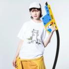 マイマイタケの酔拳キャット(白ねこ) Washed T-shirtsの着用イメージ(表面)