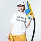 4689akikoのインドバラナシルドラゲストハウスヒンディー語 Washed T-shirtsの着用イメージ(表面)