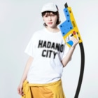 JIMOTO Wear Local Japanの秦野市 HADANO CITY Washed T-shirtsの着用イメージ(表面)
