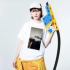 𒅒𒈔﷽𒈙꧅ဪ🔯🧪魔法的科学少女Юрико Цунака🧪🔯ဪ꧅𒈙﷽𒇫𒄆の後醍醐天皇の子孫のカーテン、指を添えて Washed T-shirtsの着用イメージ(表面)