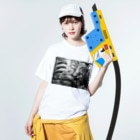 古春一生(Koharu Issey)の微睡みのR(白) Washed T-shirtsの着用イメージ(表面)
