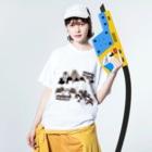 ヤママユ(ヤママユ・ペンギイナ)のPENGUINS THE BIG FOUR LIVE! Washed T-Shirtの着用イメージ(表面)