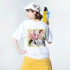 テル!のお店のサクラとニャンコの親子 Washed T-shirtsの着用イメージ(裏面)
