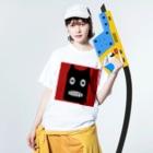 NoraUprise-whiteの【 黒鬼: Black demon 】 Washed T-shirtsの着用イメージ(表面)