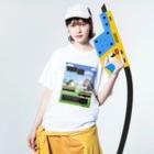 みにゃ次郎の戦うアマエビちゃん Washed T-shirtsの着用イメージ(表面)