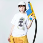 AND SHOUT merchandiseのオオシロムネユミ AND SHOUT Washed T-shirtsの着用イメージ(表面)