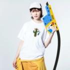yoshiのカラフルメキシカンサボテン、ウクレレひっさげるの巻 Washed T-shirtsの着用イメージ(表面)
