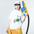 PokuStarのかまぼこ食べた Washed T-shirtsの着用イメージ(表面)
