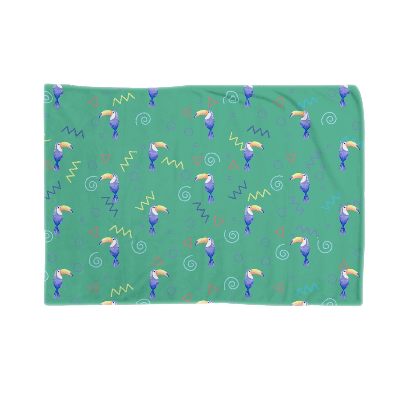 Fanfleecyのトロピカルバード(green) Blankets