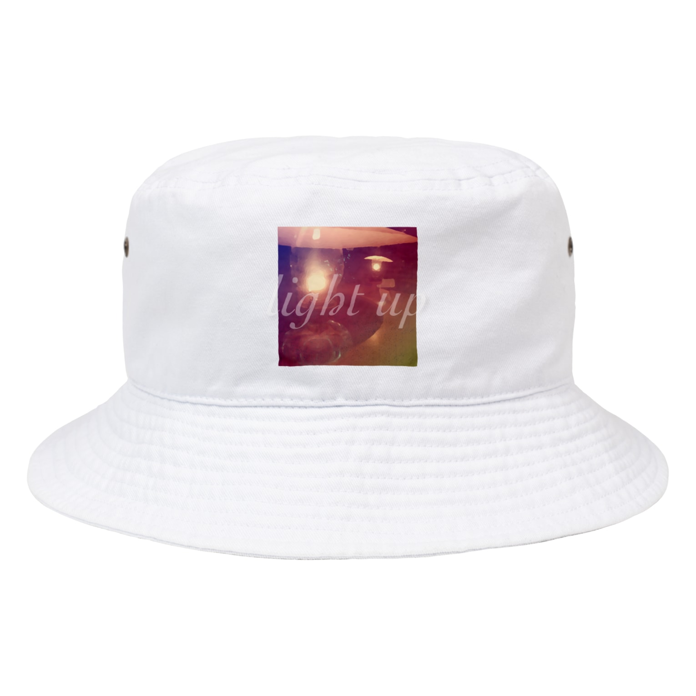 @LIRALUの石油ランプの灯り Bucket Hat