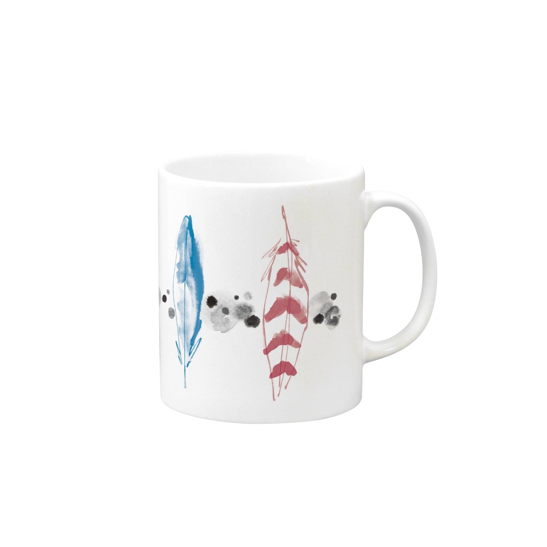 FJI-KAORUのHappyを運ぶ羽 Mugsの取っ手の右面