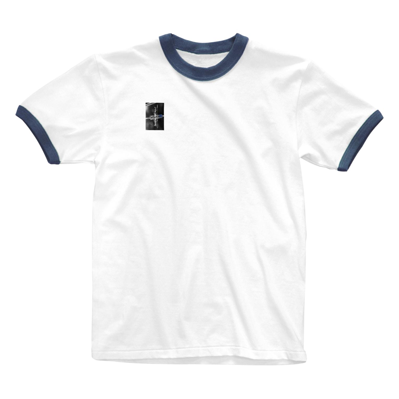 h e s i t a t eのADDICTED to ART Ringer T-shirts