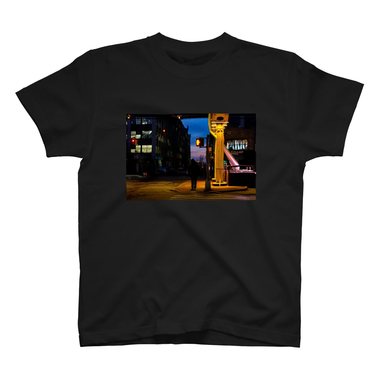 MIKITEEのwalk at night T-shirts