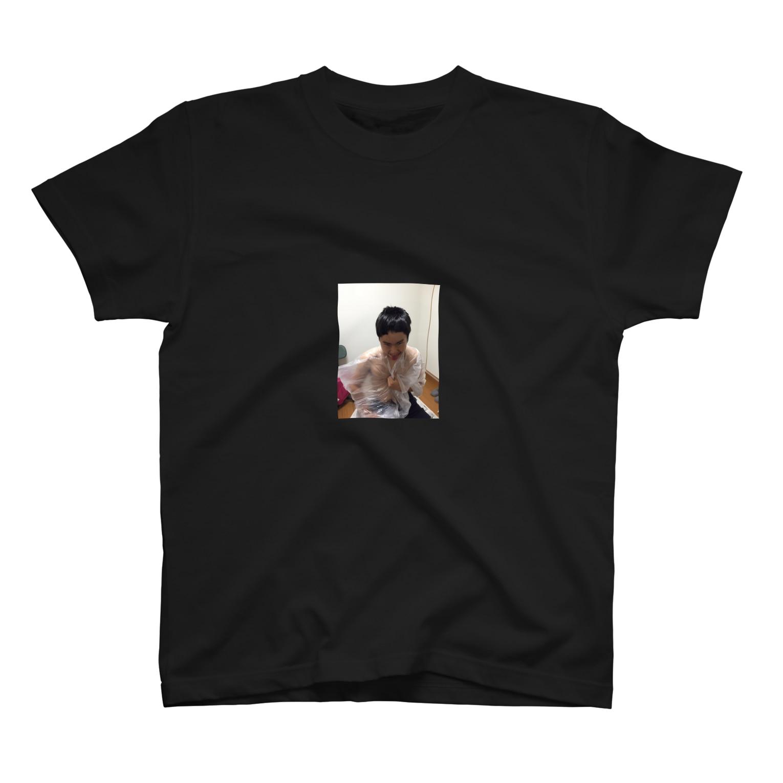 gyozanistaの前髪少なめのカズヤン T-shirts
