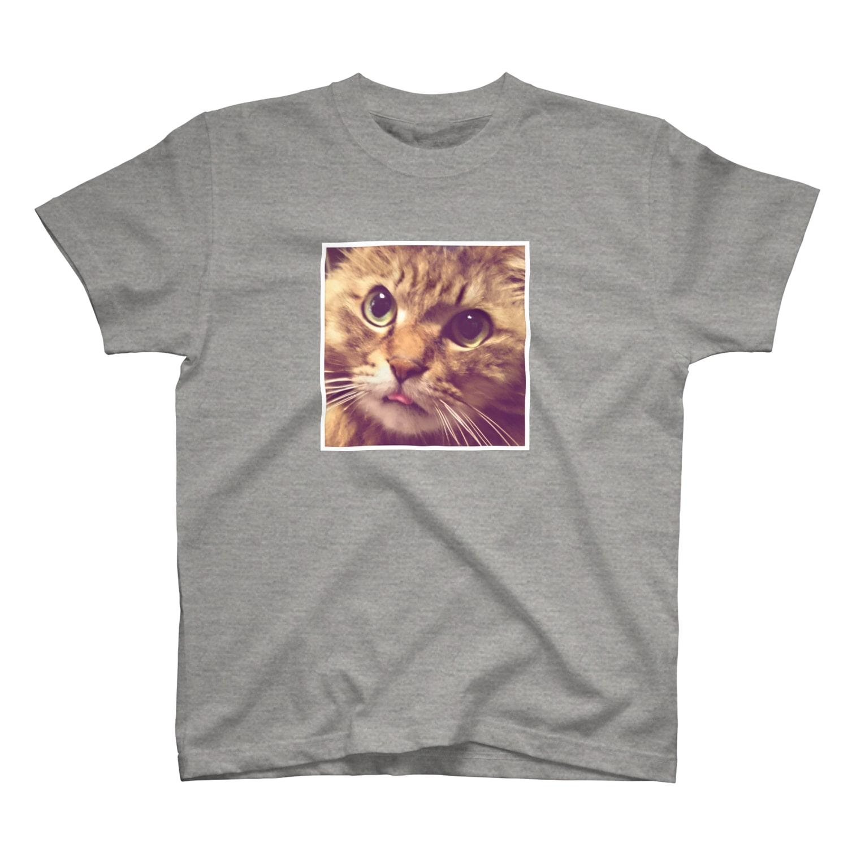 とらお/虎緒の白フチver.まむさん(舌しまい忘れ) T-shirts