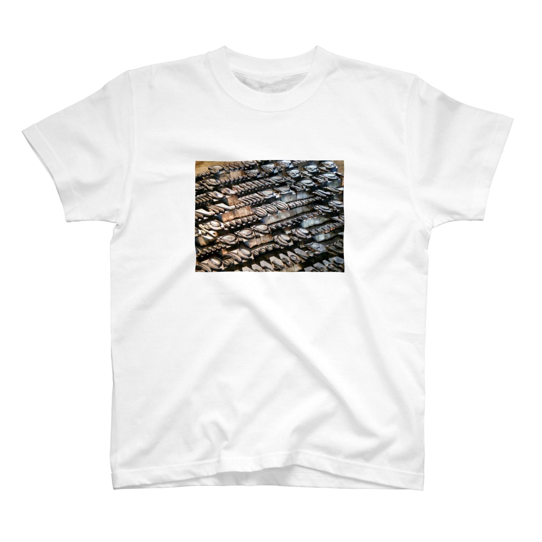 mitsutaka tetsukaの王宮のスクリプト T-shirts