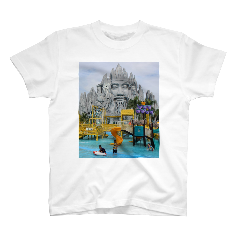 NAZOTOWNのスイ・ティエン公園 T-shirts