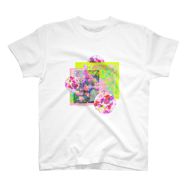 mochamocha_aichanのblooming🌸₍₍(∩´ ᵕ `∩)⁾⁾🌸 T-shirts