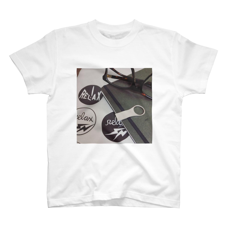 n3のメガネとノートのUSBとMacbook Tシャツ
