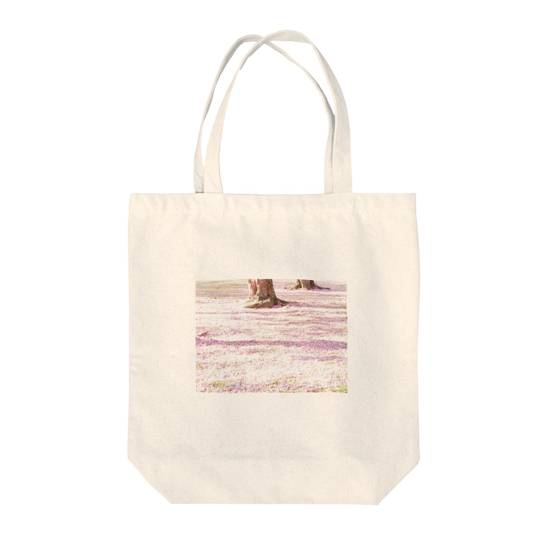 turara shopのさくら Tote bags