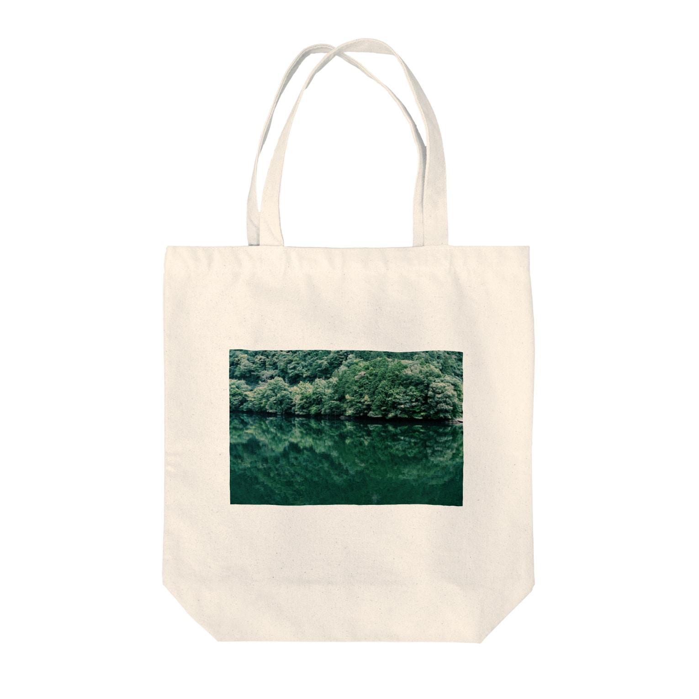 maki_fujiyamaのgreen Tote bags